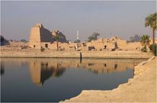 Священное озеро в Карнаке (Египет)
