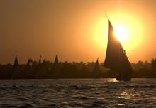 Бог Ра на реке Нил