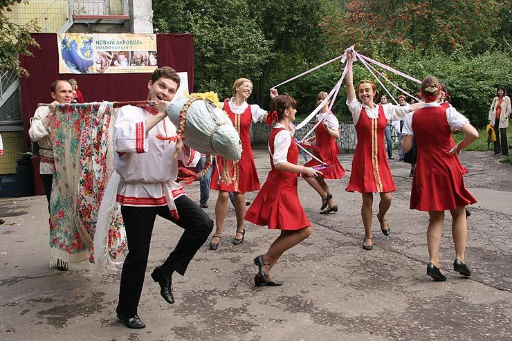 Постановки народных танцев и