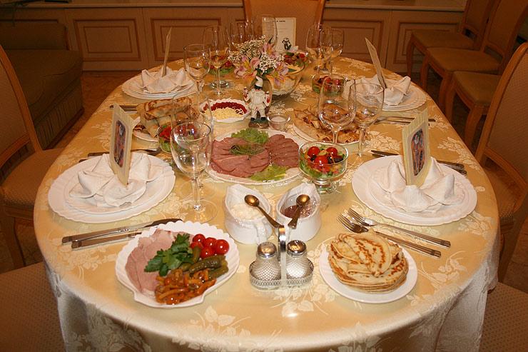 Праздничная сервировка стола своими руками